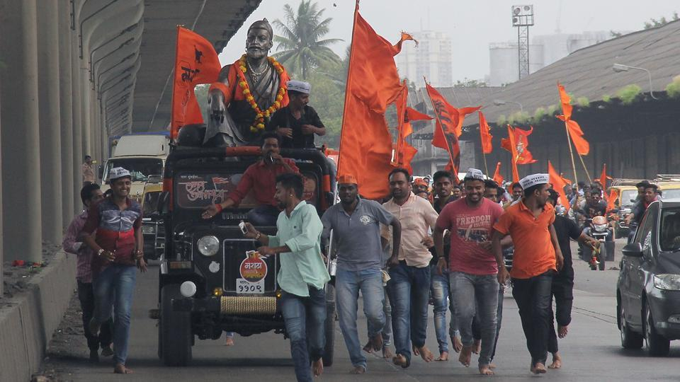 At the end of the rally, CM Devendra Fadnavis promised Marathas concession in fees to 605 educational courses, interest-free loans up to Rs10 lakh for self-employment, Rs5 crore to each district for the construction of hostels and setting up of a district-wise committee to decide on cases filed under the Atrocities Act. (Bhushan Koyande/HT photo)