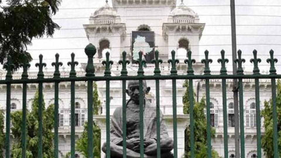 Matma gandhi,Gandhi statue removal in Guwahati,Gandhi statue