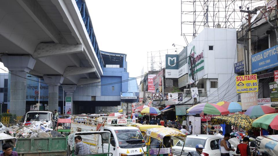 The area records a high footfall of visitors every day due to its proximity to the largest commercial hub of Noida, which comprises Sector 18 market, Atta Market and four malls in the vicinity.