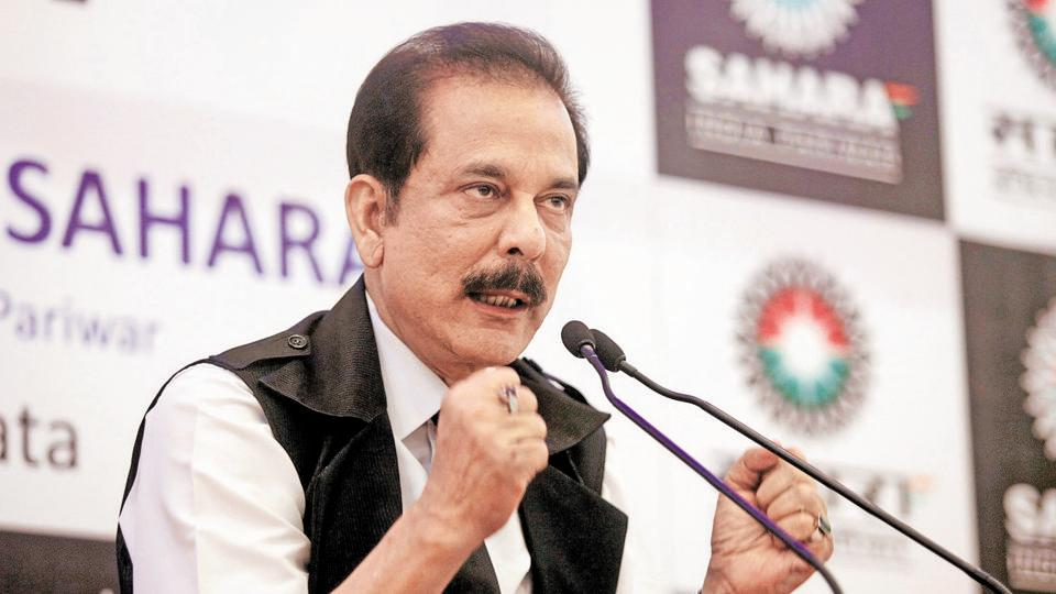 Sahara Group Chairman Subrata Roy gestures as he speaks during a news conference in Kolkata November 29, 2013.