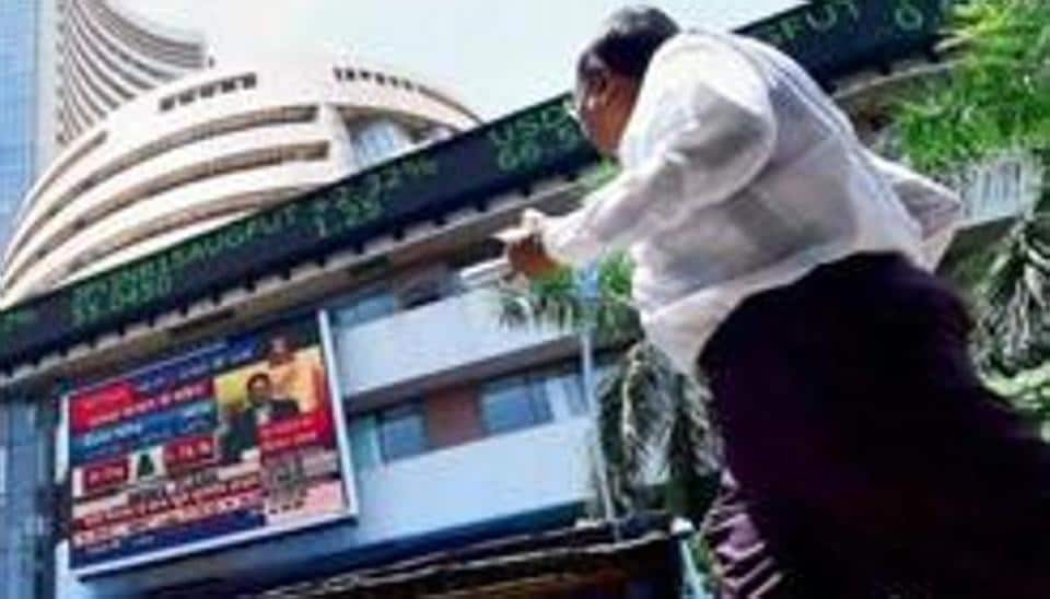 Sensex posts fourth consecutive session of falls