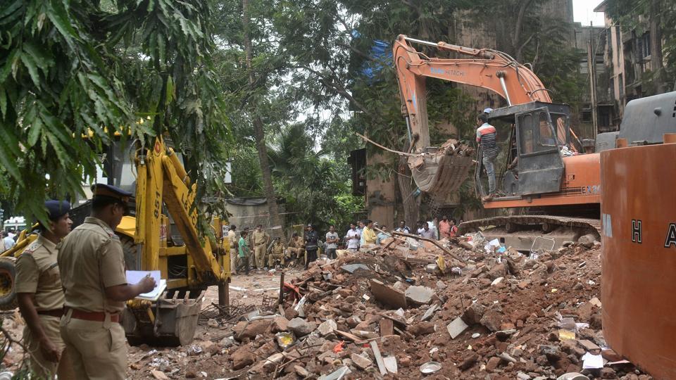 In the Ghatkopar collapse, 17 people were killed.