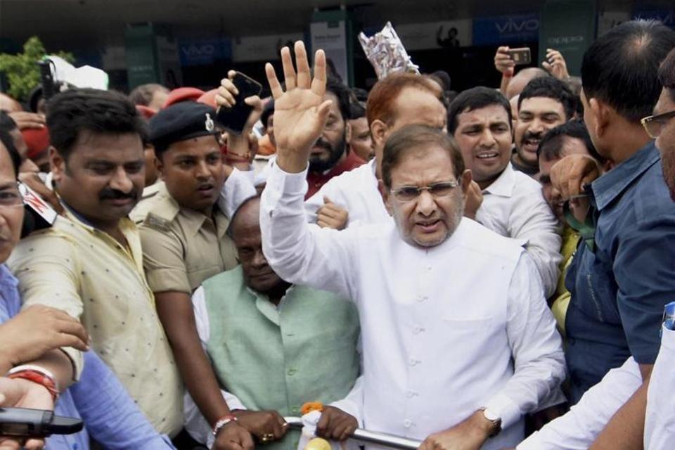 JD (U) leader Sharad Yadav soon after his arrival at the Patna airport on Thursday.