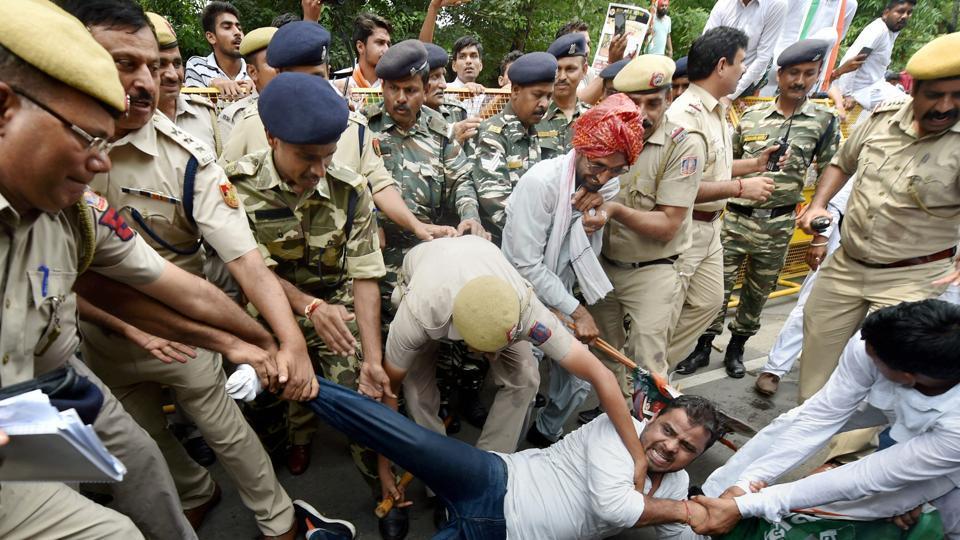 Journalist,Youth Congress,Molestation