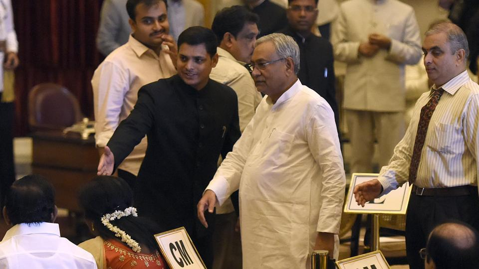 Nitish Kumar,Sharad Yadav,JD(U)
