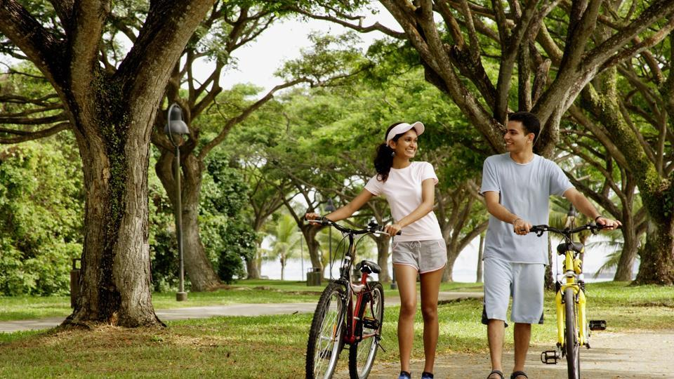Cycling also increases circulation to deliver oxygen to the skin cells, which in turn helps in speeding up the healing mechanism of our body.