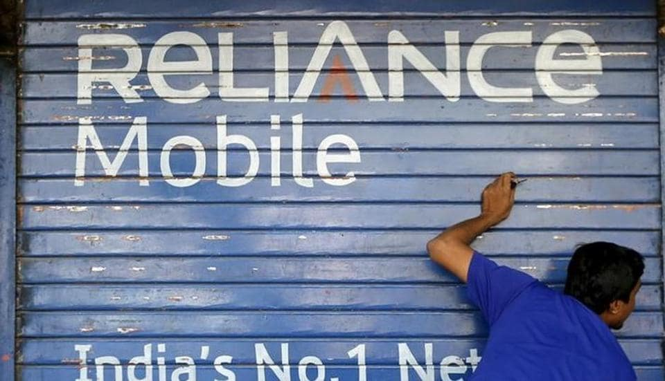 Reliance Communications,RComm,Rs 1210 crore