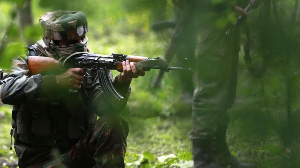 Three militants & two soldiers dead; locals help militants flee