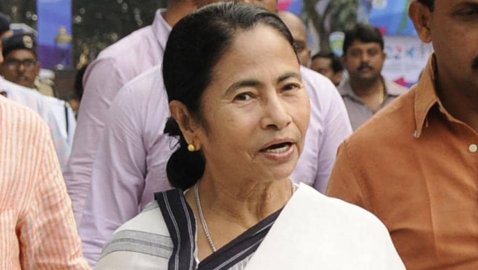 Mamata Banerjee refuses to follow center's directive on Independence Day celebrations