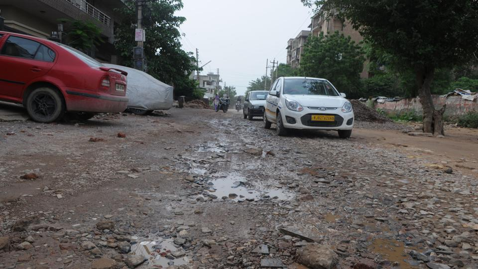Waterlogging,Potholes,Gurgaon
