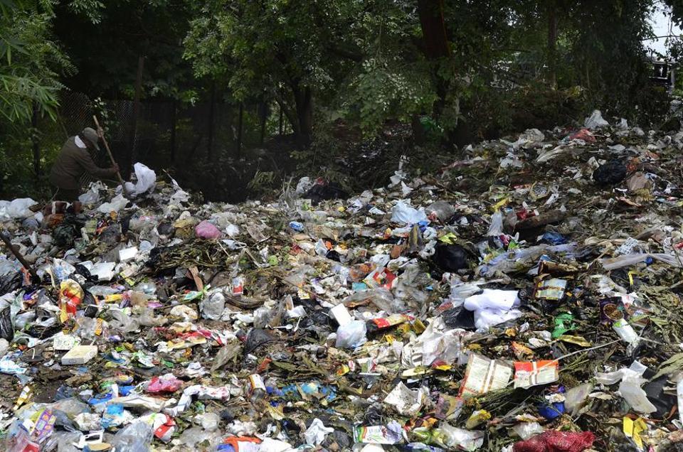dumping,Mula,river