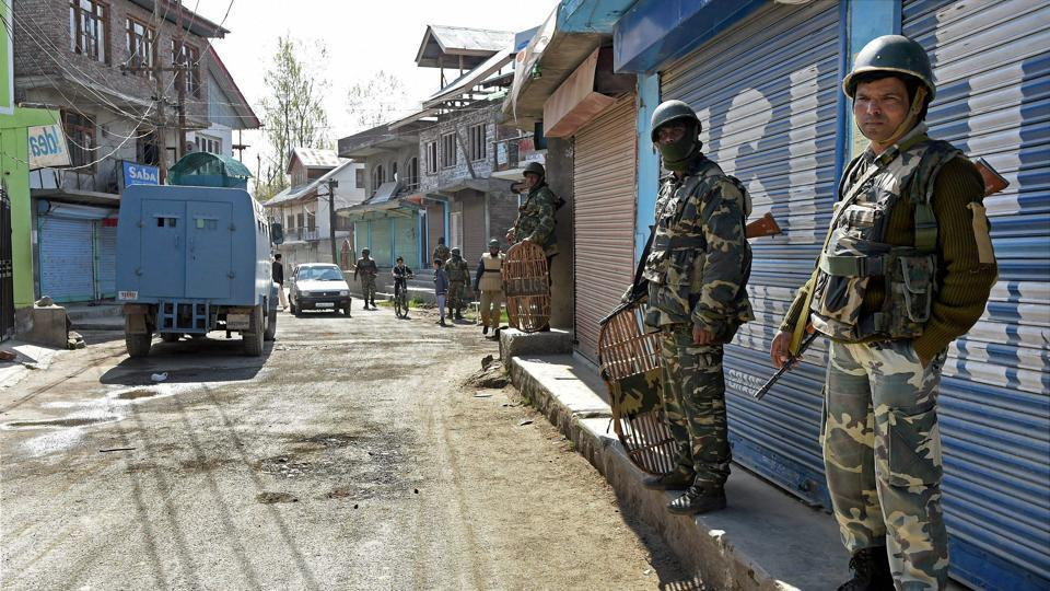 Pellet-hit Kashmir youth succumbs