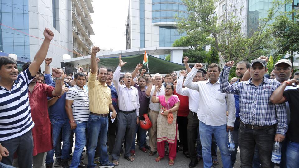 Amrapali,delay in flats,Noida flats