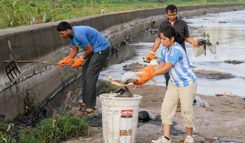Pune volunteers,dirty cleaning rivers,Jeevitnadi