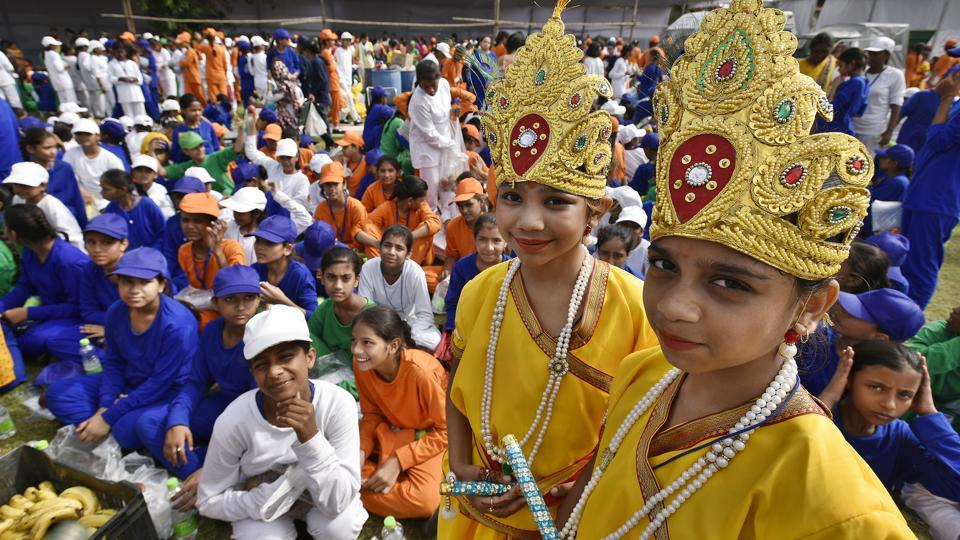 School children dressed as Lord Krishna take part in the full dress rehearsal ahead at the Red Fort.  (Raj K Raj/HT PHOTO)