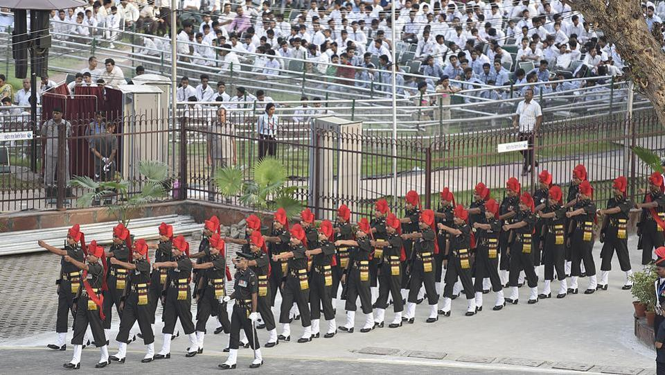 The speech from the Prime Minister is followed by National Anthem and parades by divisions of the Indian Armed Forces and PSaramilitary forces.  (Raj K Raj/HT PHOTO)