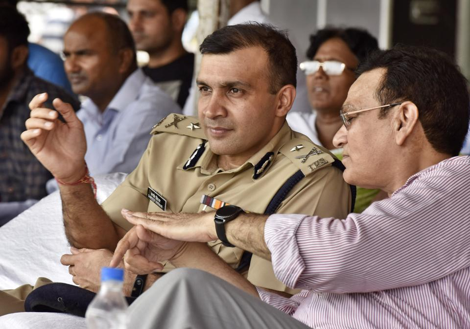 City police commissioner Sandeep Khirwar said the civic polls went off peacefully barring a few minor skirmishes and cases of bogus voting.