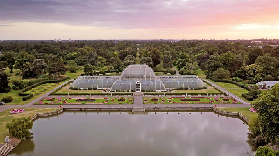 The Kew Gardens were royal summer residences in the 16th century.