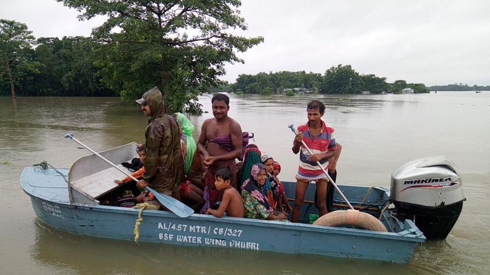 Bengal Flood,Mamata Banerjee,Eastern Railway