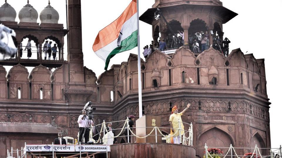 Prime Minister Narendra Modi addressed the nation from the ramparts of Red Fort on the occasion of India's 71st Independence Day on Tuesday, in New Delhi. (Arun Sharma / HT Photo)