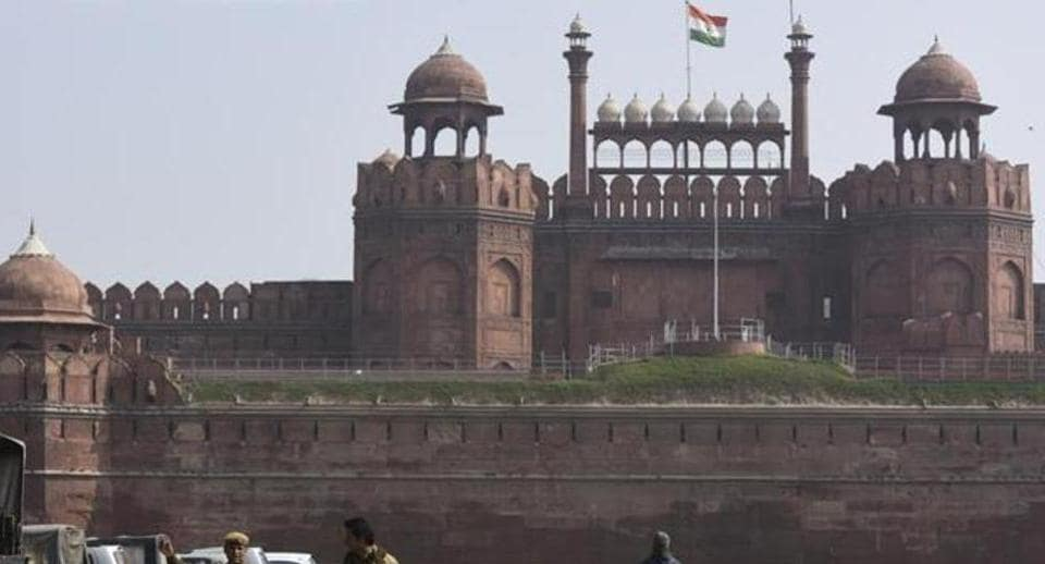 Flag hoisting and parade takes place at Red Fort.