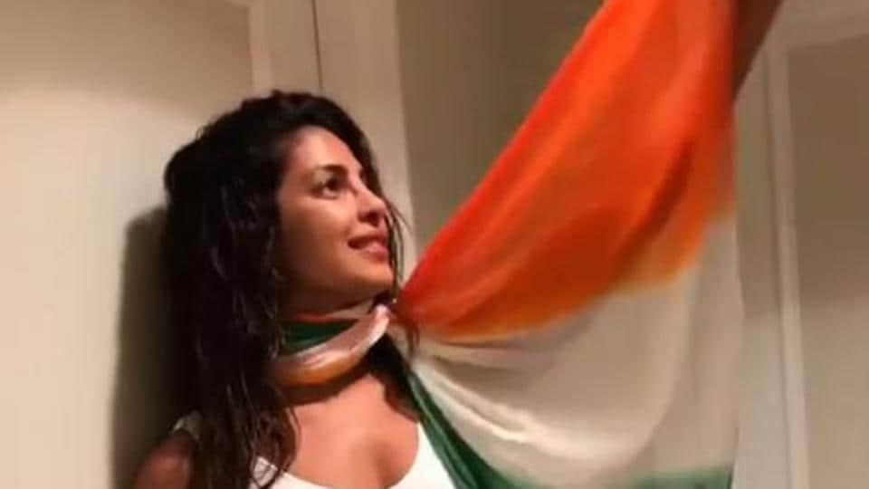 IndependenceDay,Priyanka Chopra,Amitabh Bachchan