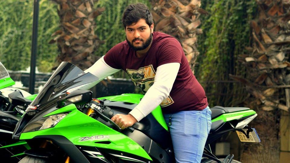 Biker dies at Mandi House,Race on superbikes,Biker dies in Delhi