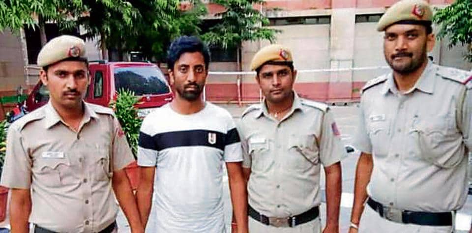 Delhi Police,Police gypsy stolen,Independence Day security scare