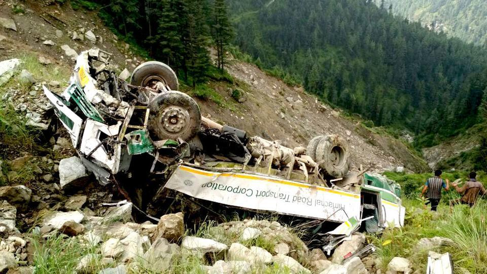 Himachal Pradesh,Bus accident,Bus falls in gorge