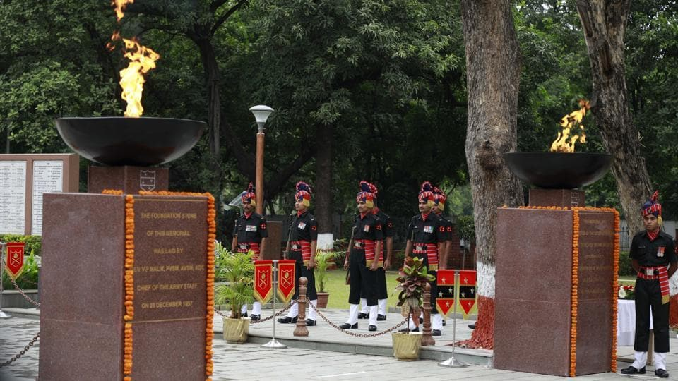 Armymen at the Independence day celebrations at National War Memorial at camp on Tuesday. (Rahul Raut/HT PHOTO)