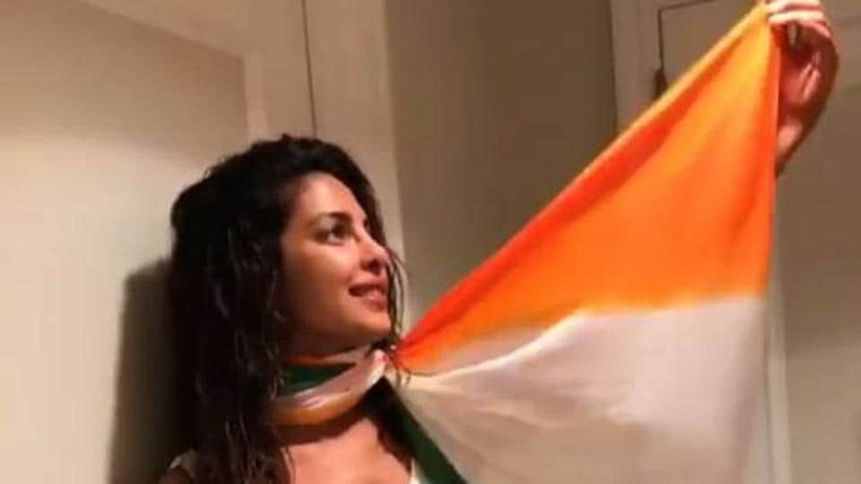 Priyanka Chopra,Flag,Disrespecting