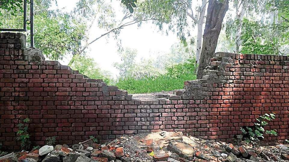 12-year-old raped,Broken wall,no guard