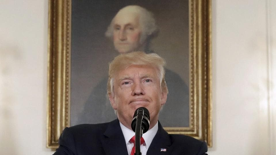 Trump on Confederate statutes,Steve Bannon,Charottesville