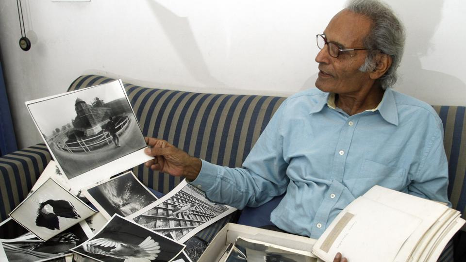 S Paul's career in photography saw a stint as the Indian Railways' Chief photographer and subsequently a move to the Indian Express as their Chief of Photography. Paul's work during his association with the paper came to define photography at the Indian Express. He eventually retired from the newspaper 26 years later in 1989.