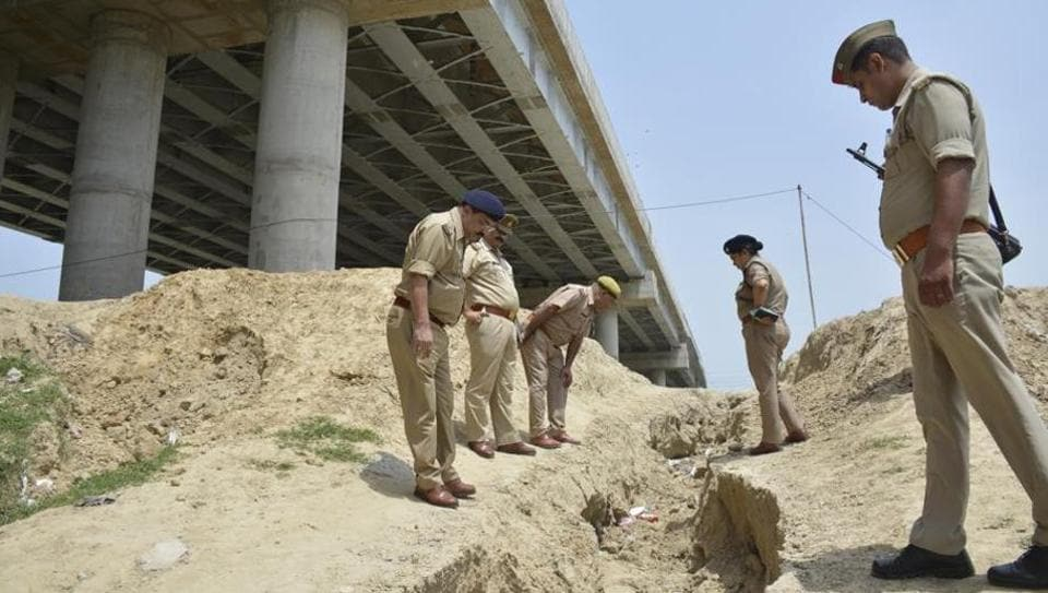 Link Road,Ghaziabad crime,Robber jumps to death
