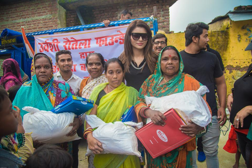 Actor Urvashi Rautela recently donated food and other basic amenities in the flood-affected areas of Uttarakhand.