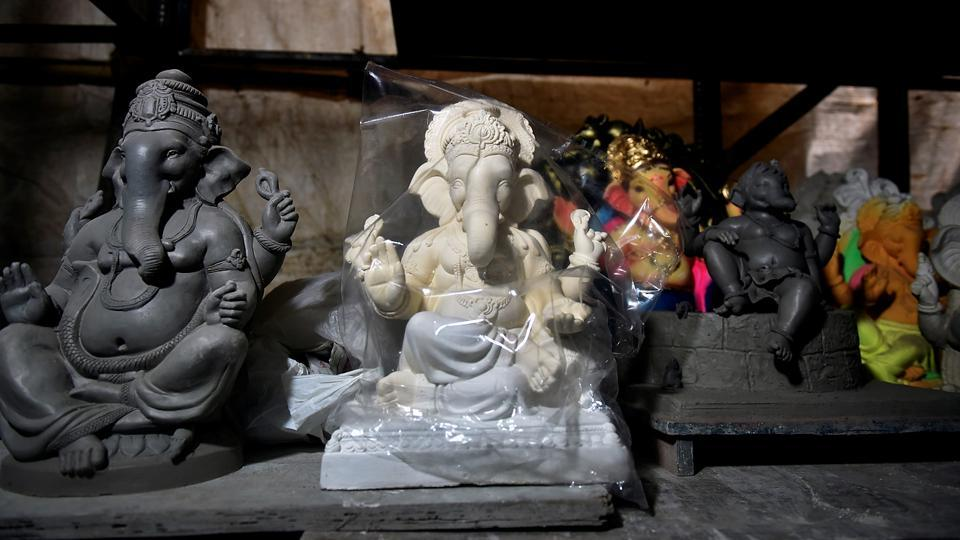 The idols at a workshop in Chinchpokli in Mumbai. (Anshuman Poyrekar/HT Photo)
