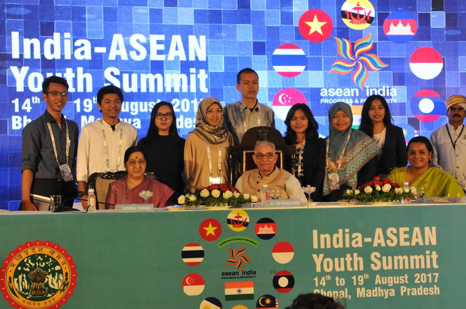 Bhopal, India - Aug. 18, 2017: Indonesian delegation posing for a group photograph with External affairs minister Sushma Swaaraj and Governor of Madhya Pradesh O P Kohli during India- ASEAN youth summit in Bhopal, India, on Friday, August 18, 2017. (Photo by Mujeeb Faruqui/Hindustan Times)