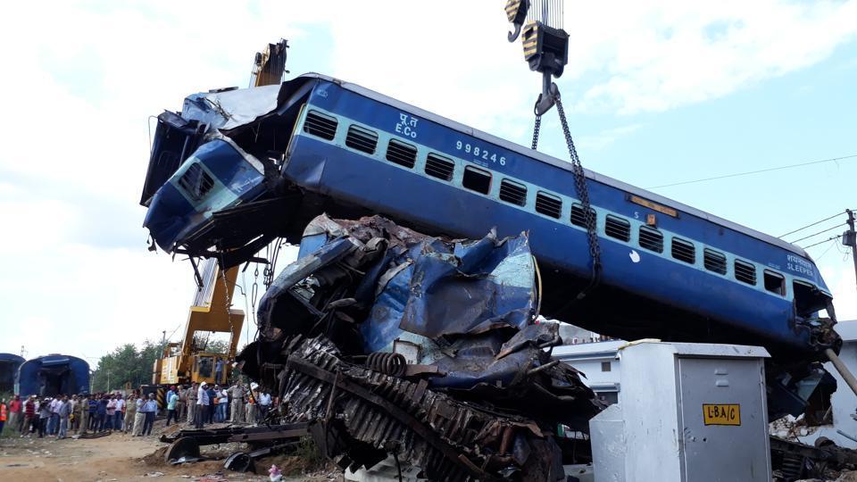 Indian Railways,Utkal Express derails,UP train accidents