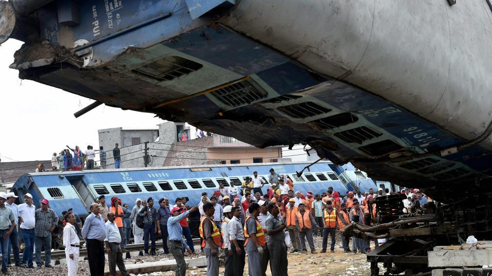 Kalinga Utkal Express,Utkal Express derails,Muzaffaranagar