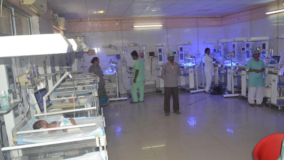 Maharani Laxmi Bai Medical College Jhansi,Oxygen supply,Bundelkhand