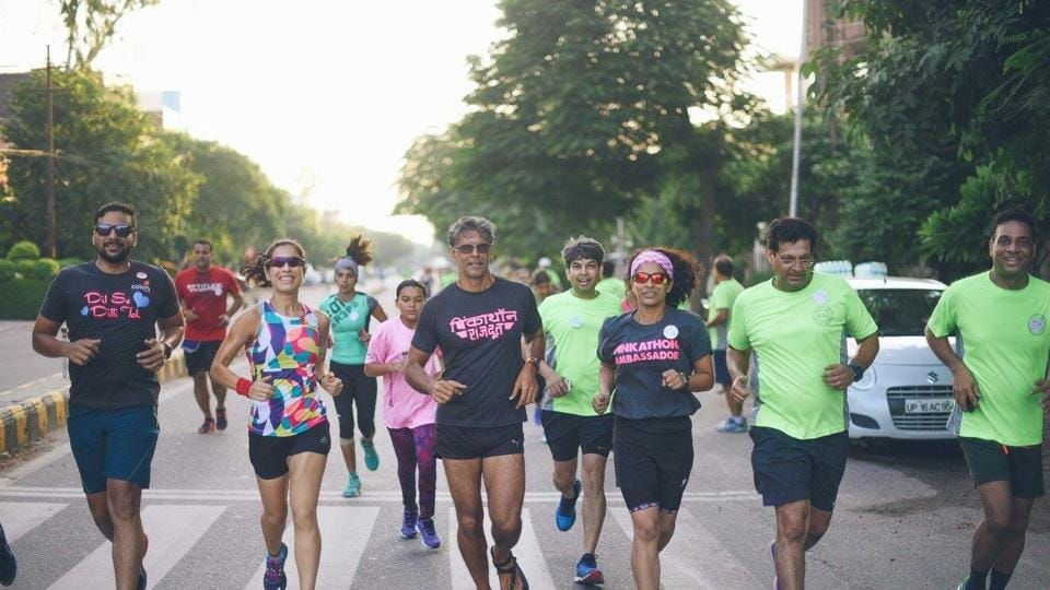 Model Milind Soman participating in the Rani Run held to promote Pinkathon.