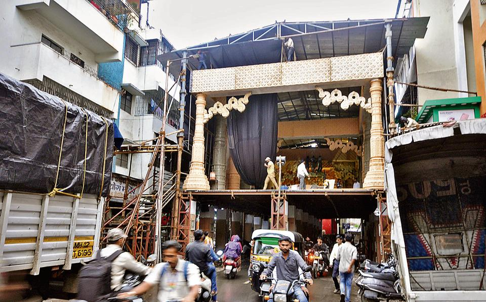 Ganesh festival,Pune,out-of-box thinking