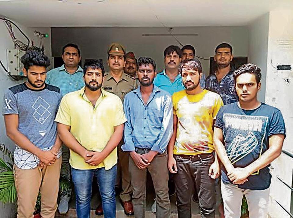 Ghaziabad male escort racket,Male escort in Ghaziabad,Gang duped jobless youth