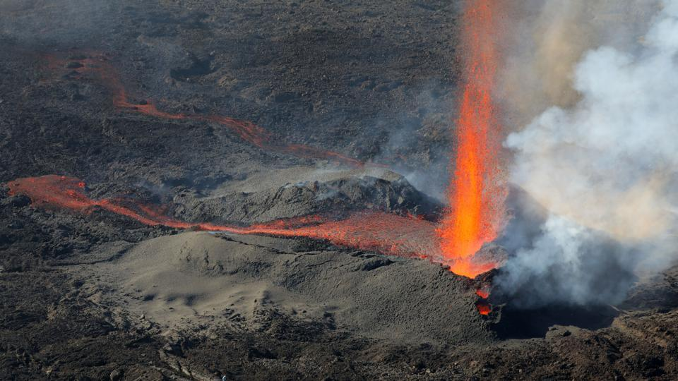 Piton de la Fournaise, which rises to 2,631 meters above sea level, is the most famous tourist attraction at the island.