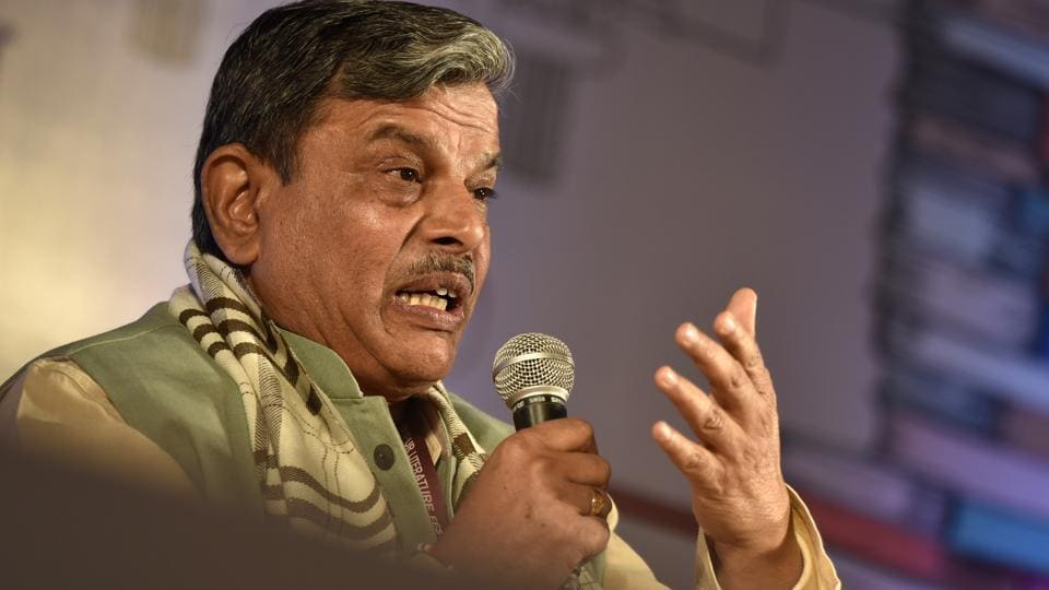 RSS general secretary Dattatreya Hosabale and another top Sangh leader will meet the chief minister to review the government's performance.