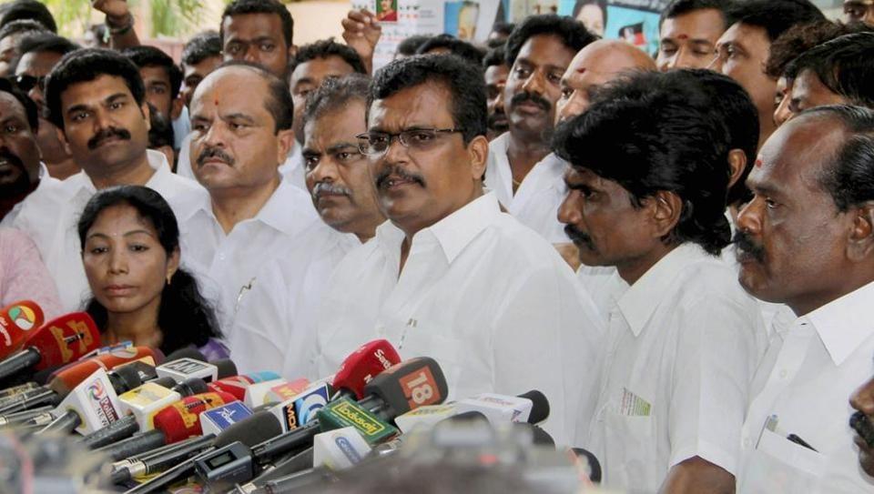 AIADMK,Tamil Nadu,TTV Dinakaran