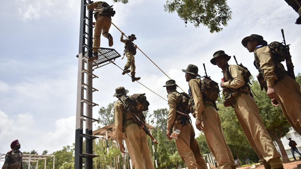 The training for the special forces battalions of the parachute regiment, while continual is also among the longest anywhere. Once deemed airborne, a paratrooper has the option of moving towards specialised operations with training testing human extremes both physically and mentally. One is only deemed fully incorporated into the regiment having completed an year operating in hostile territories leading. The Special Forces are distinguished by their 'balidaan' badge. (Arijit Sen / HT Photo)