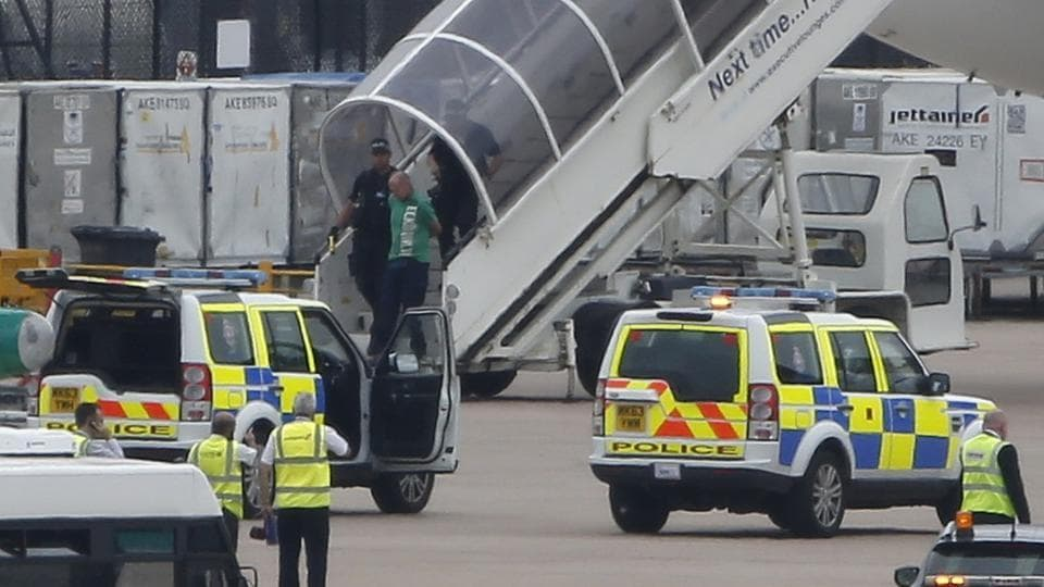 UK,Manchester Airport,Bomb