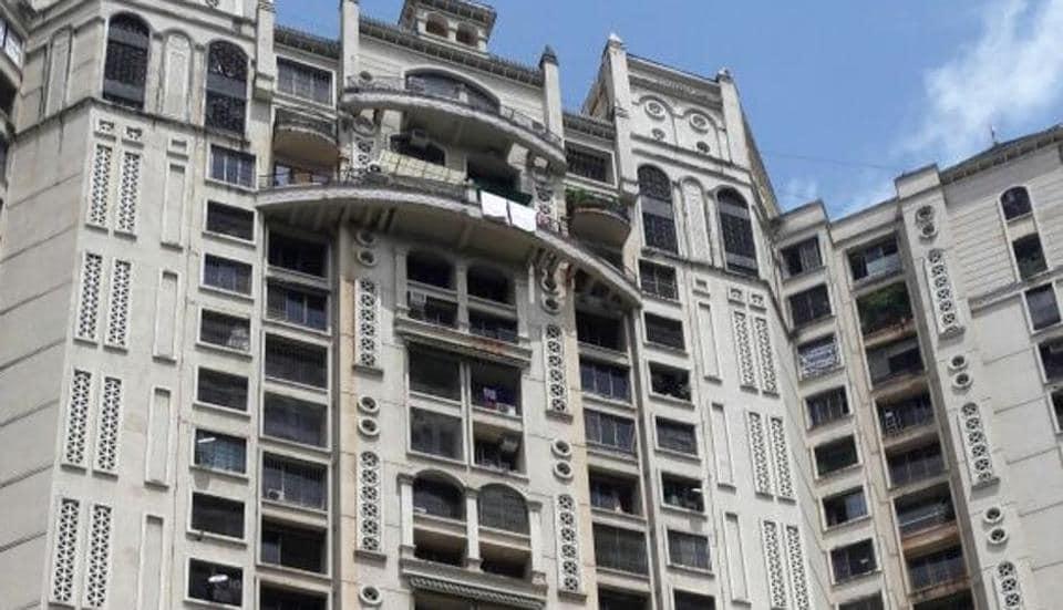 Mumbai,senior citizen,Mumbai building